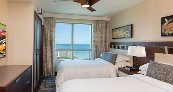 hgvc grand islander room beds