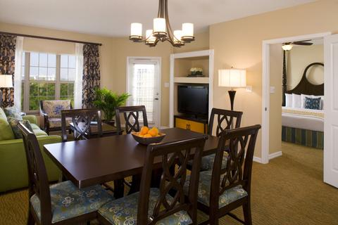 Hilton-Grand-Vacations-Suites-at-SeaWorld-Suite